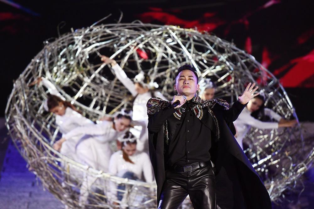 Thu Phương, Soobin Hoàng Sơn, Văn Mai Hương… khiến khán giả đã tai, đã mắt tại Đại nhạc hội New Year Countdown 2021 Nam Phú Quốc - Ảnh 7.