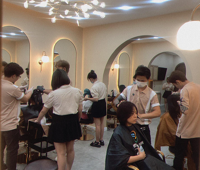 Bật mí hair salon siêu xinh tại thành phố Hồ Chí Minh - Ảnh 11.