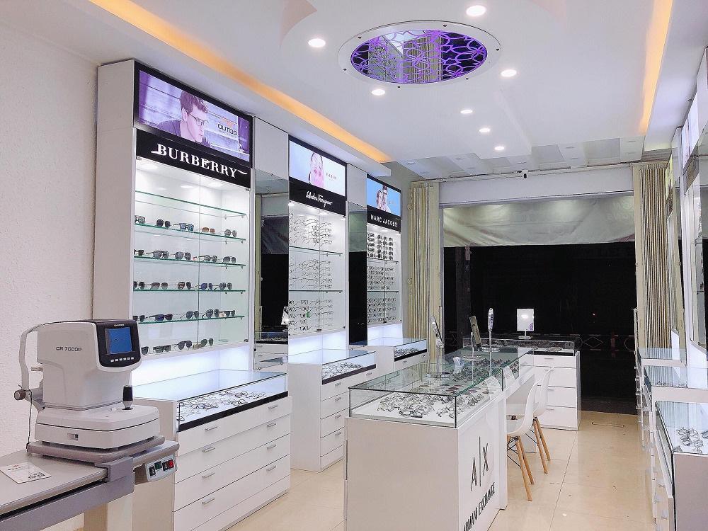 Kính mắt Eye Center Vietnam - Thiên đường mua sắm dành cho các tín đồ thời trang - Ảnh 1.