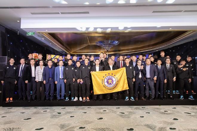 IVY men chính thức trở thành Nhà tài trợ trang phục cho CLB Bóng Đá Hà Nội mùa giải 2021 - Ảnh 1.