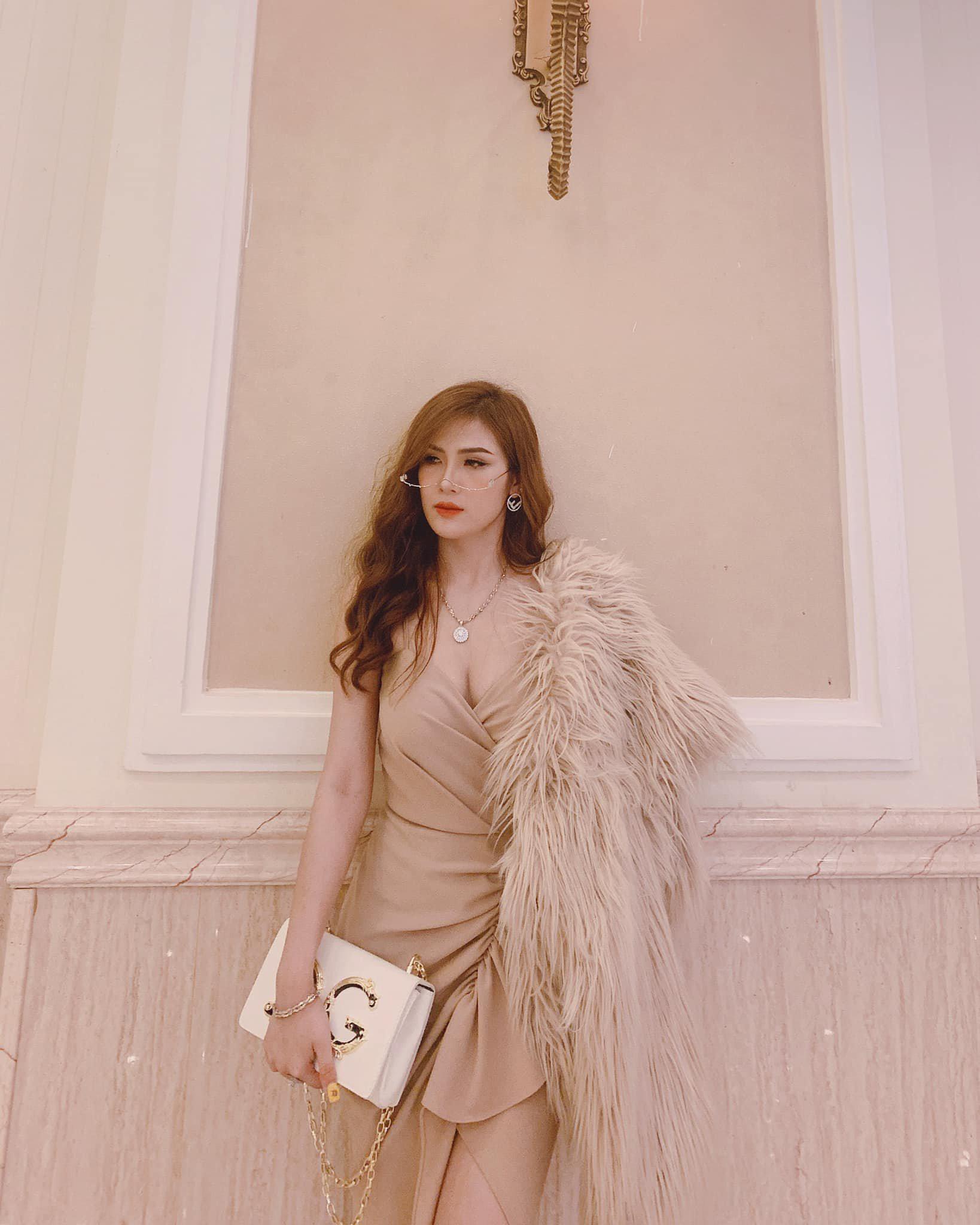Shop Trang Nguyễn Gia Lai bắt trend xu hướng áo khoác dạ thu đông 2021 - Ảnh 4.