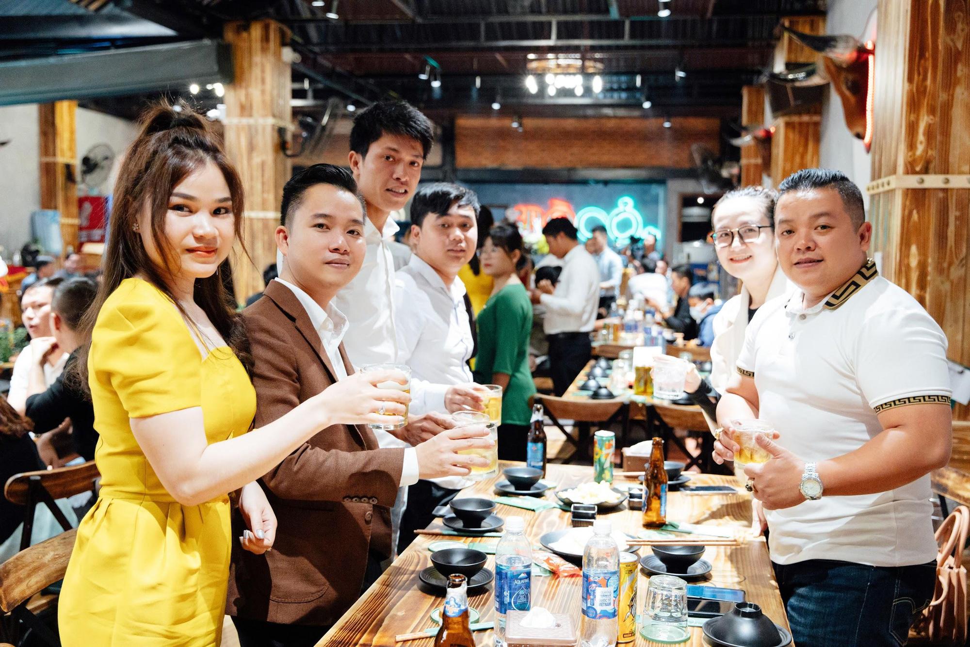 No căng bụng với vị ngon bò Việt ở Bò Cỏ Lẩu mới toe tại Đà Nẵng - Ảnh 4.