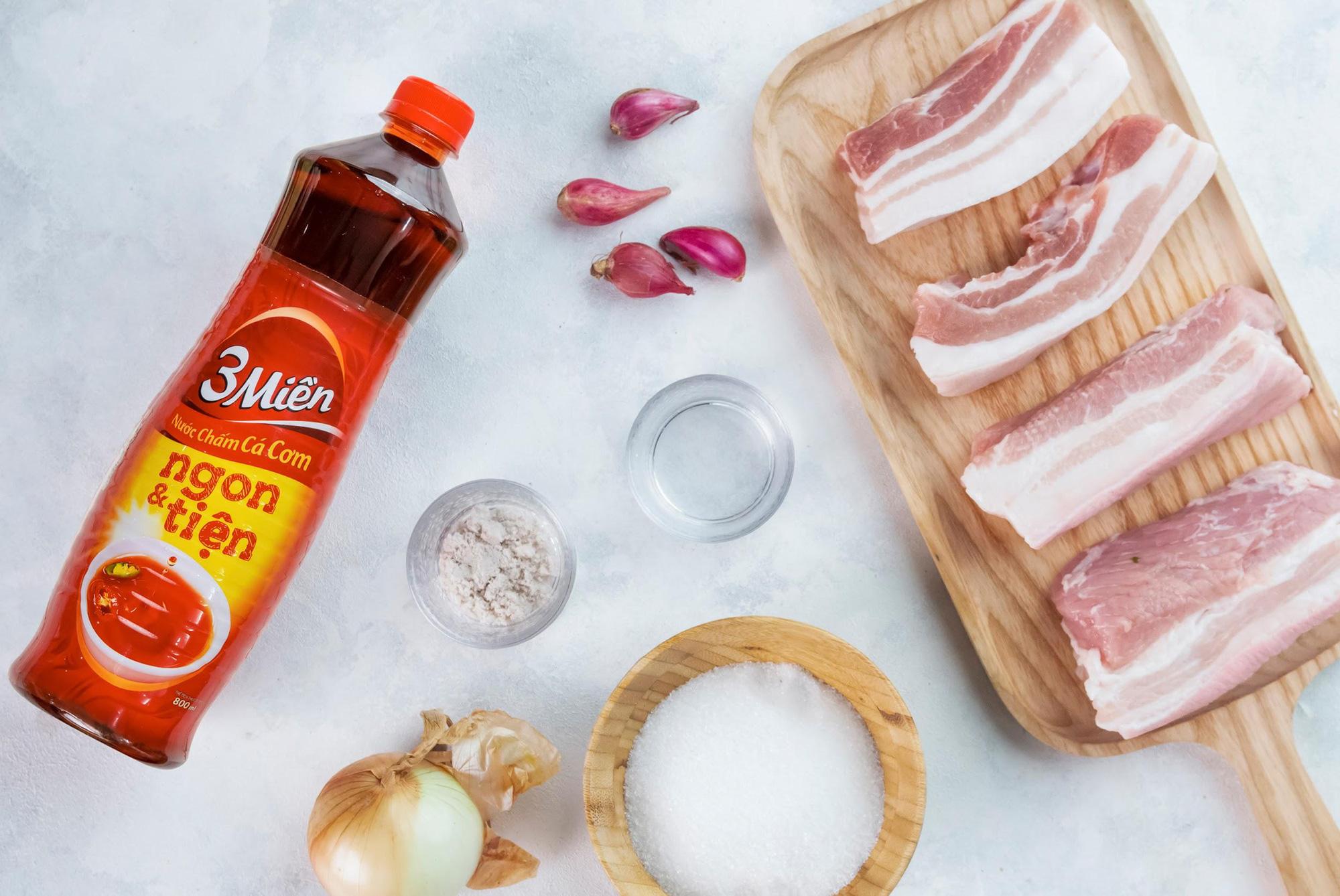 Chống ngấy ngày Tết cực đơn giản với công thức thịt heo ngâm mắm ngon hết sảy từ Helens Recipes - Ảnh 2.