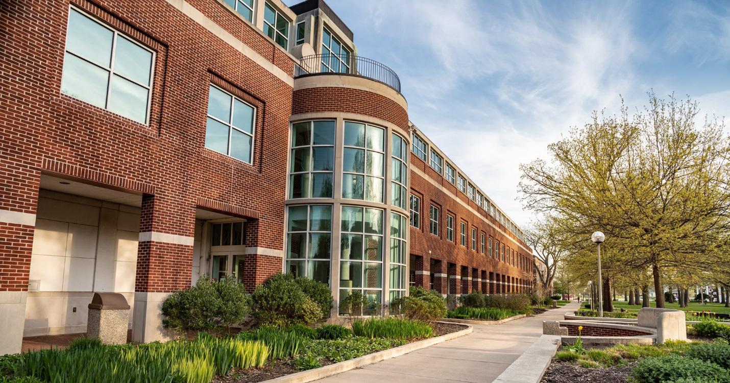 Hiện thực hóa giấc mơ du học Mỹ với học bổng lên tới 60.000$ (khoảng 1,3 tỷ VNĐ) tại Đại học Truman State, Missouri - Ảnh 1.