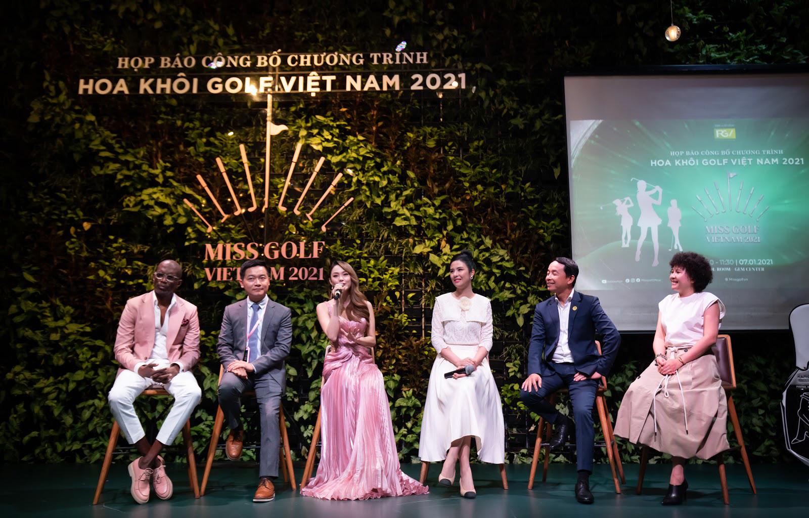 """Minh Hằng ngồi """"ghế nóng"""" cuộc thi Hoa Khôi Golf Việt Nam 2021 - Ảnh 1."""
