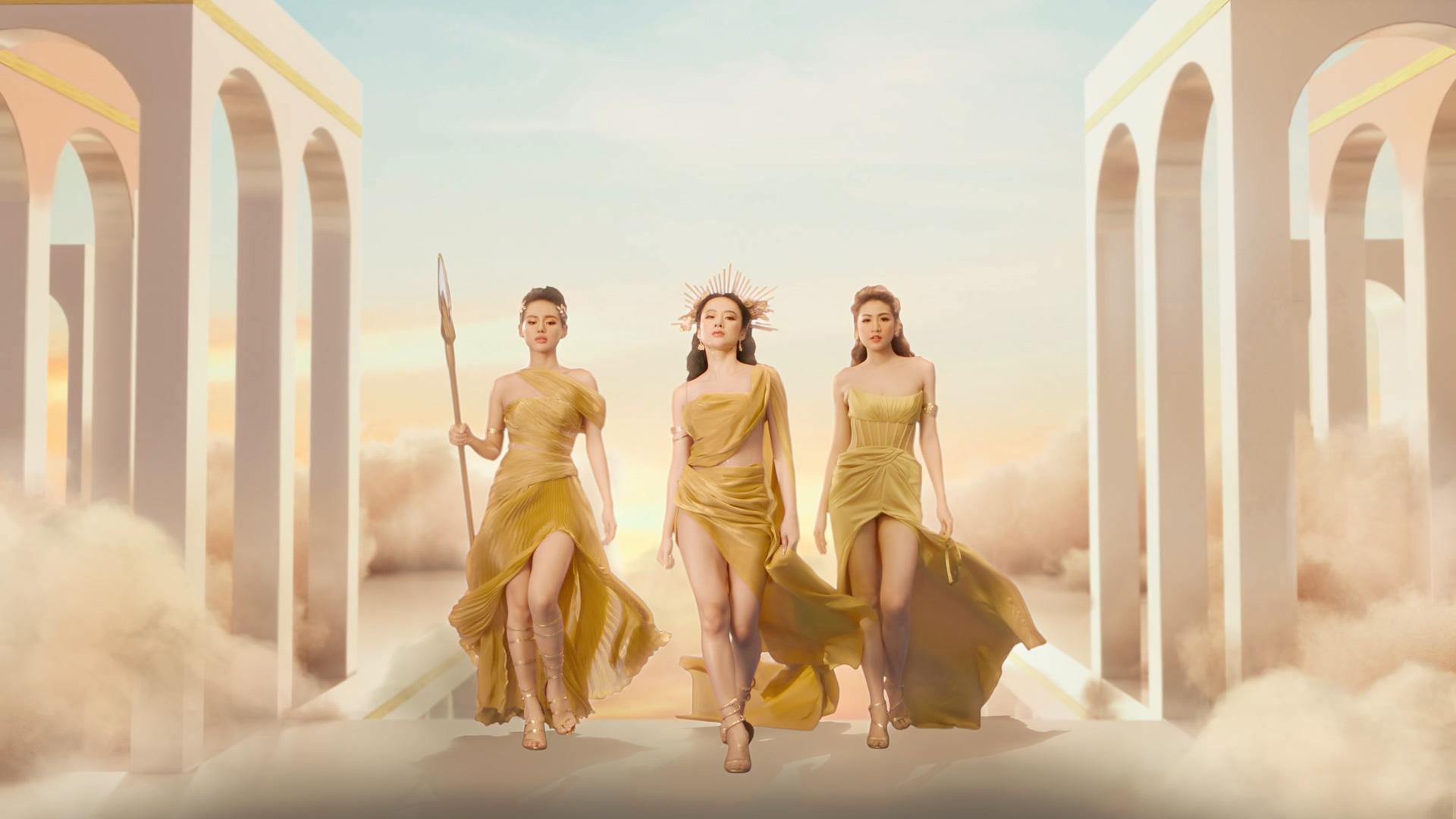 """Angela Phương Trinh chính thức trở lại, cạnh tranh """"nhan sắc nữ thần cùng Tú Anh và Khánh Linh - Ảnh 1."""