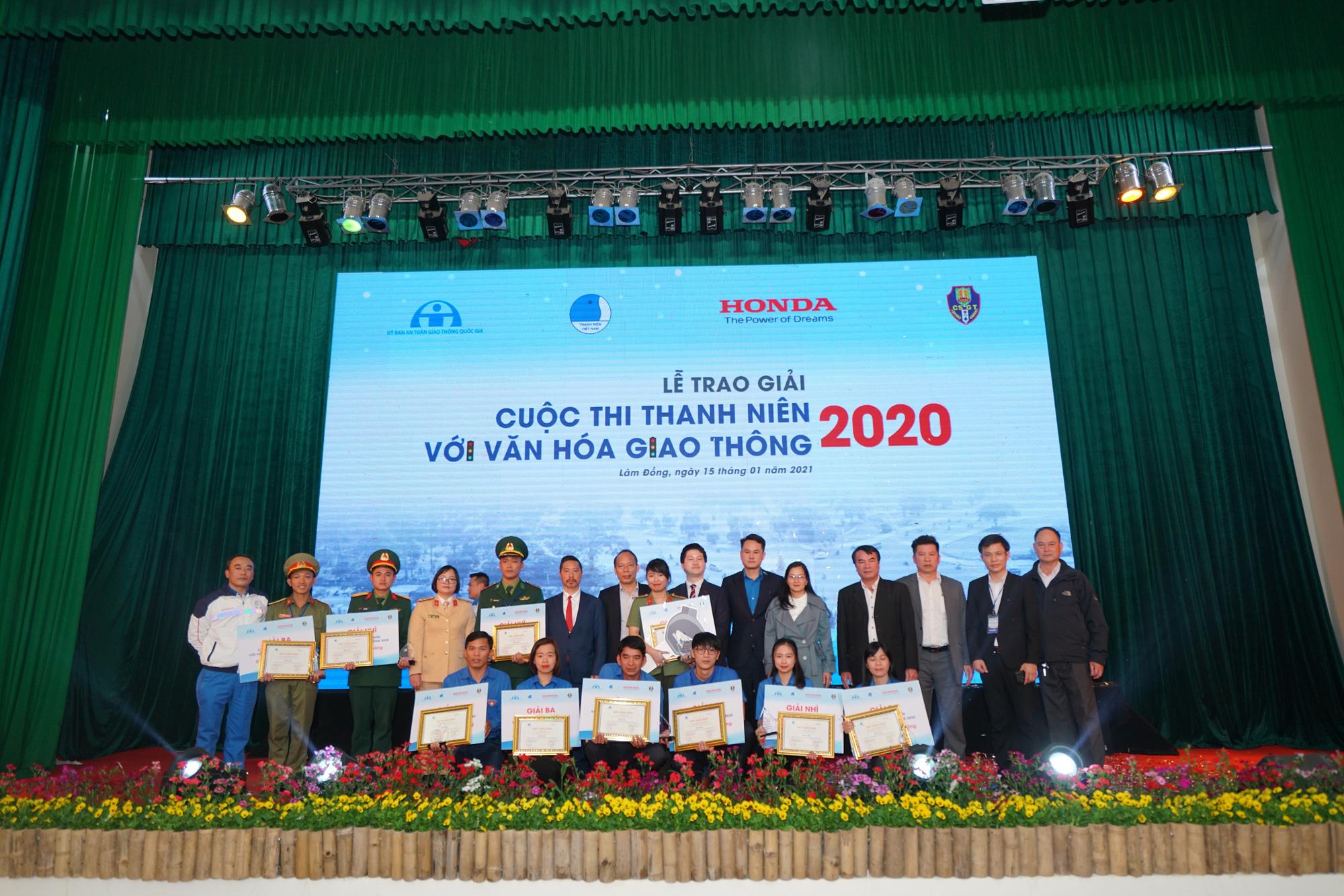 """Sôi nổi Vòng chung kết và Lễ trao giải cuộc thi """"Thanh niên với Văn hóa giao thông"""" năm 2020 - Ảnh 1."""