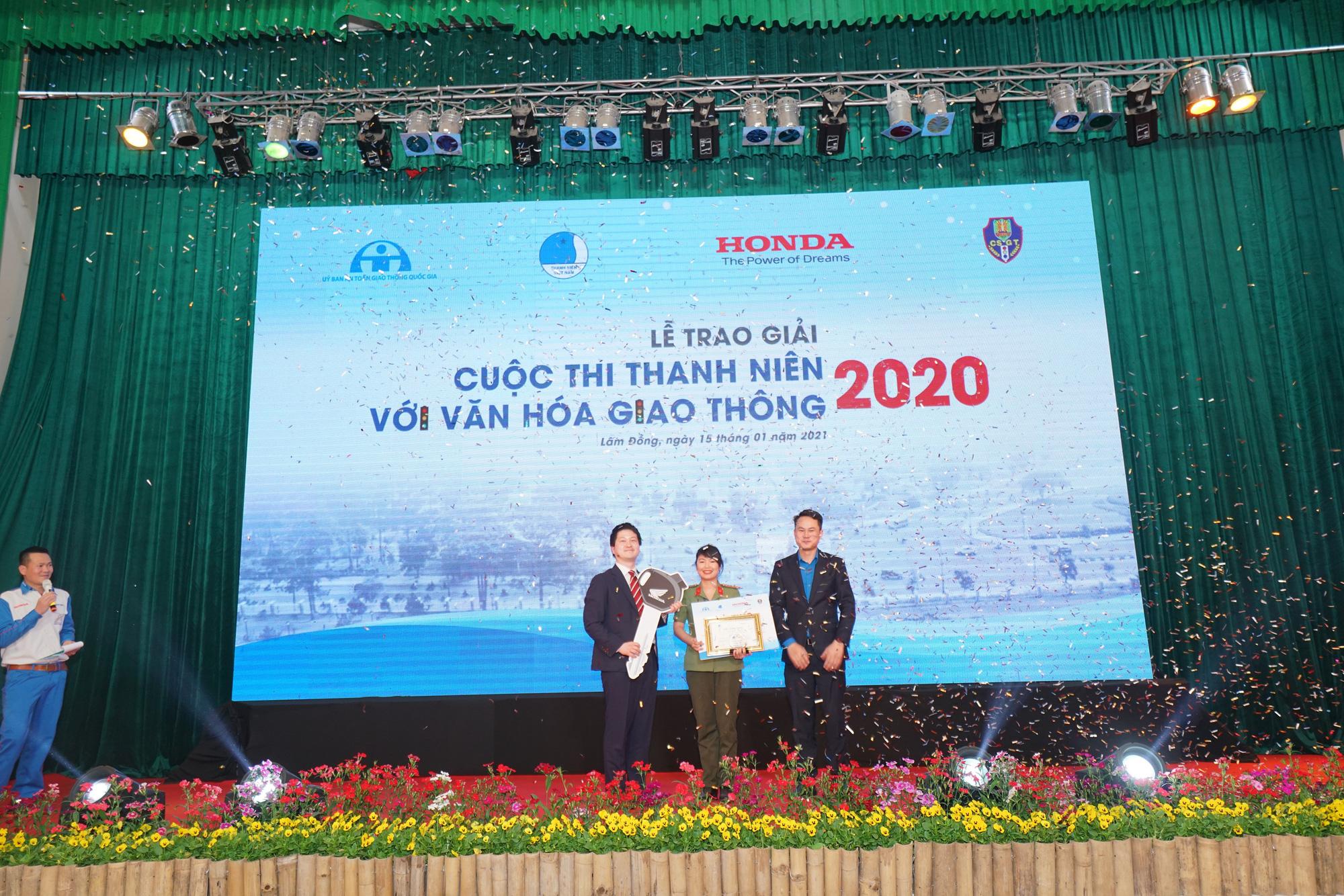 """Sôi nổi Vòng chung kết và Lễ trao giải cuộc thi """"Thanh niên với Văn hóa giao thông"""" năm 2020 - Ảnh 4."""