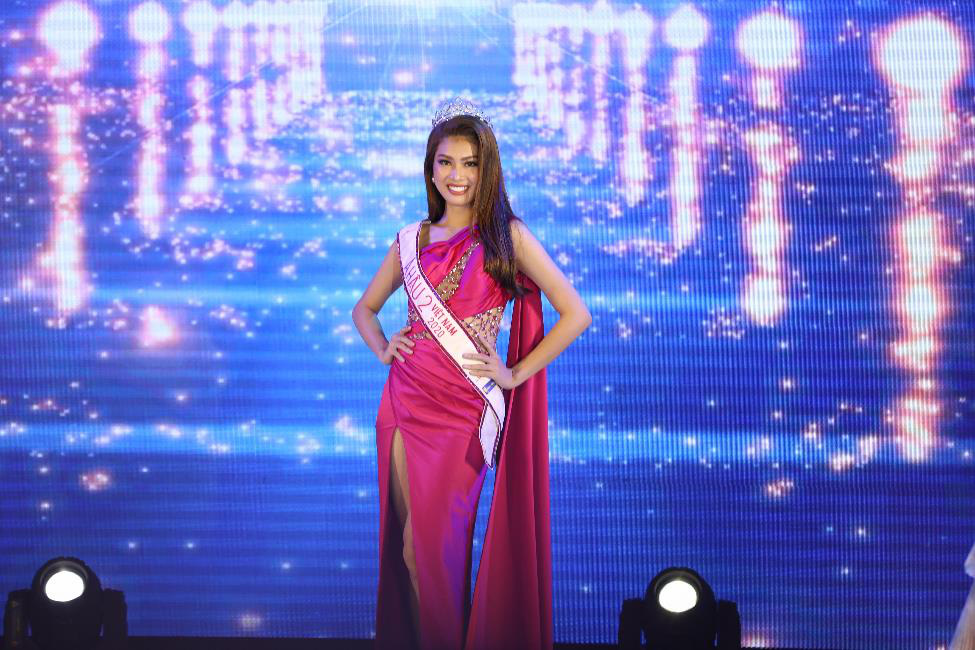 Dàn Hoa hậu, Á hậu đình đám hội ngộ tại Gala Chung kết Miss HUTECH 2021 - Ảnh 3.