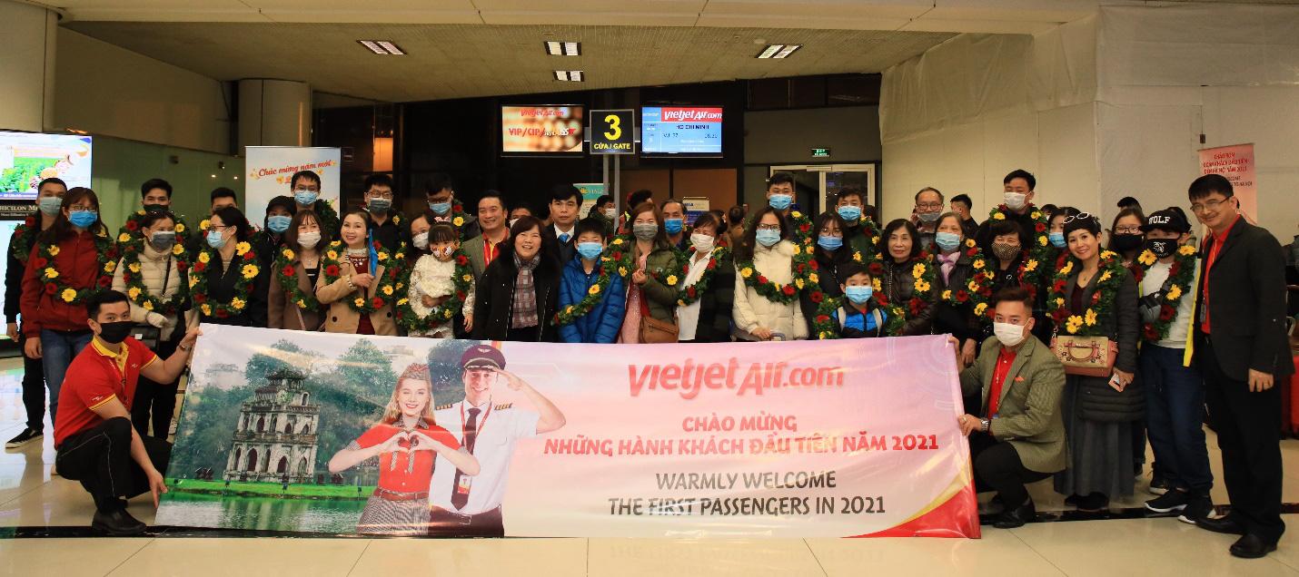 Đón chào năm mới 2021, Vietjet dành tặng khách hàng rất nhiều phần quà may mắn - Ảnh 1.