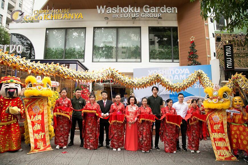 Yoshinoya khai trương nhà hàng đầu tiên tại Việt Nam - Ảnh 1.