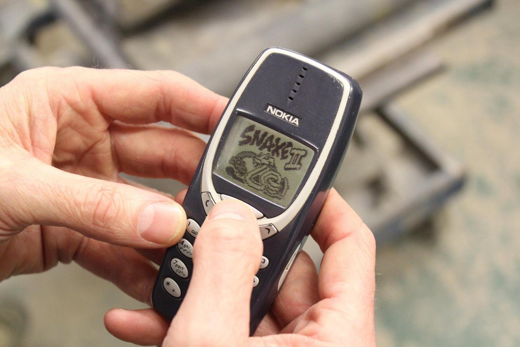 Sự tiến hóa của thiết bị di động: Nhỏ gọn, nhiều tính năng, giá rẻ hơn bao giờ hết - Ảnh 2.