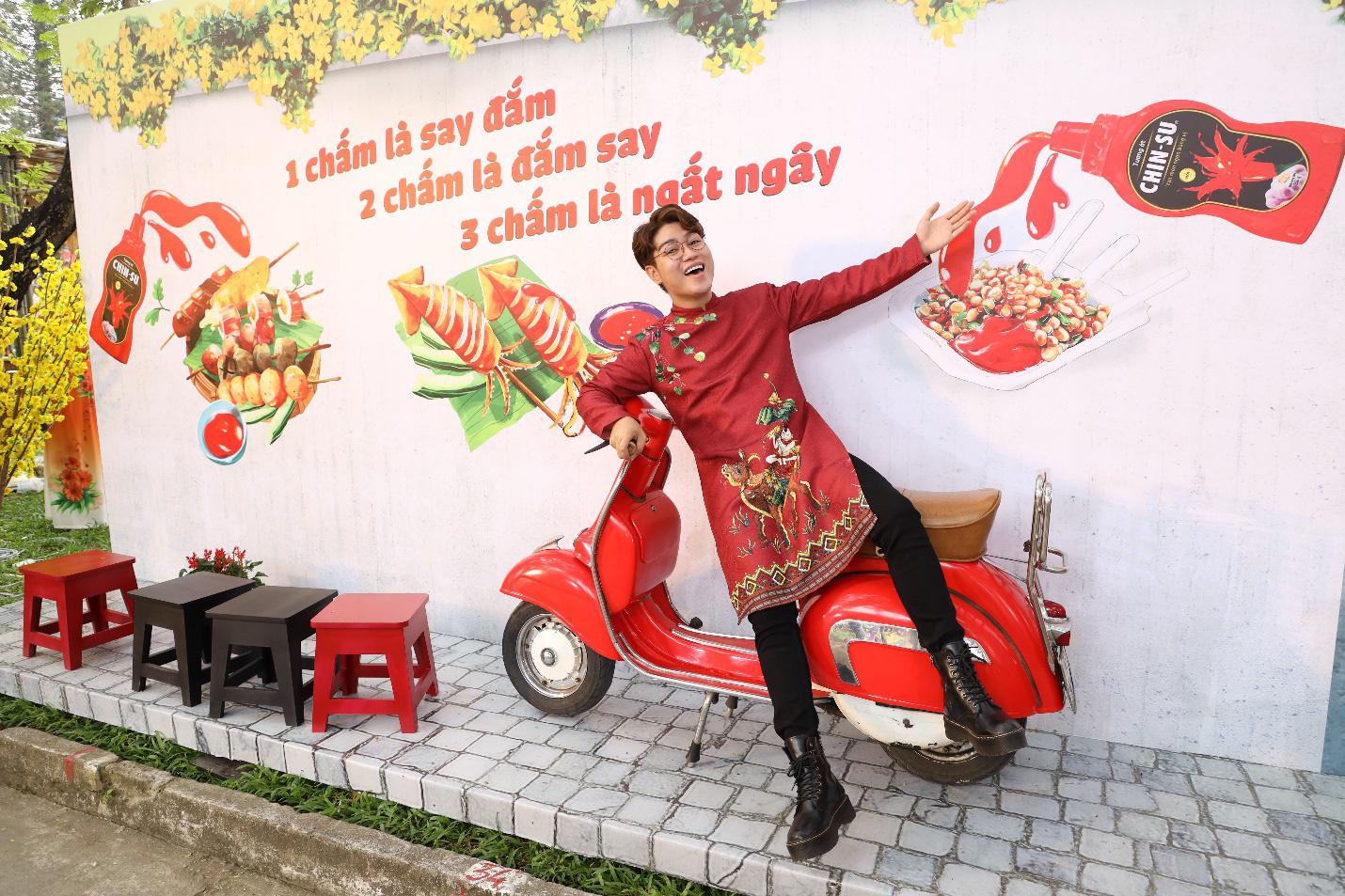 Giới trẻ rần rần check-in gian hàng Tết của CHIN-SU tại Lễ Hội Tết Việt 2021 - Ảnh 1.