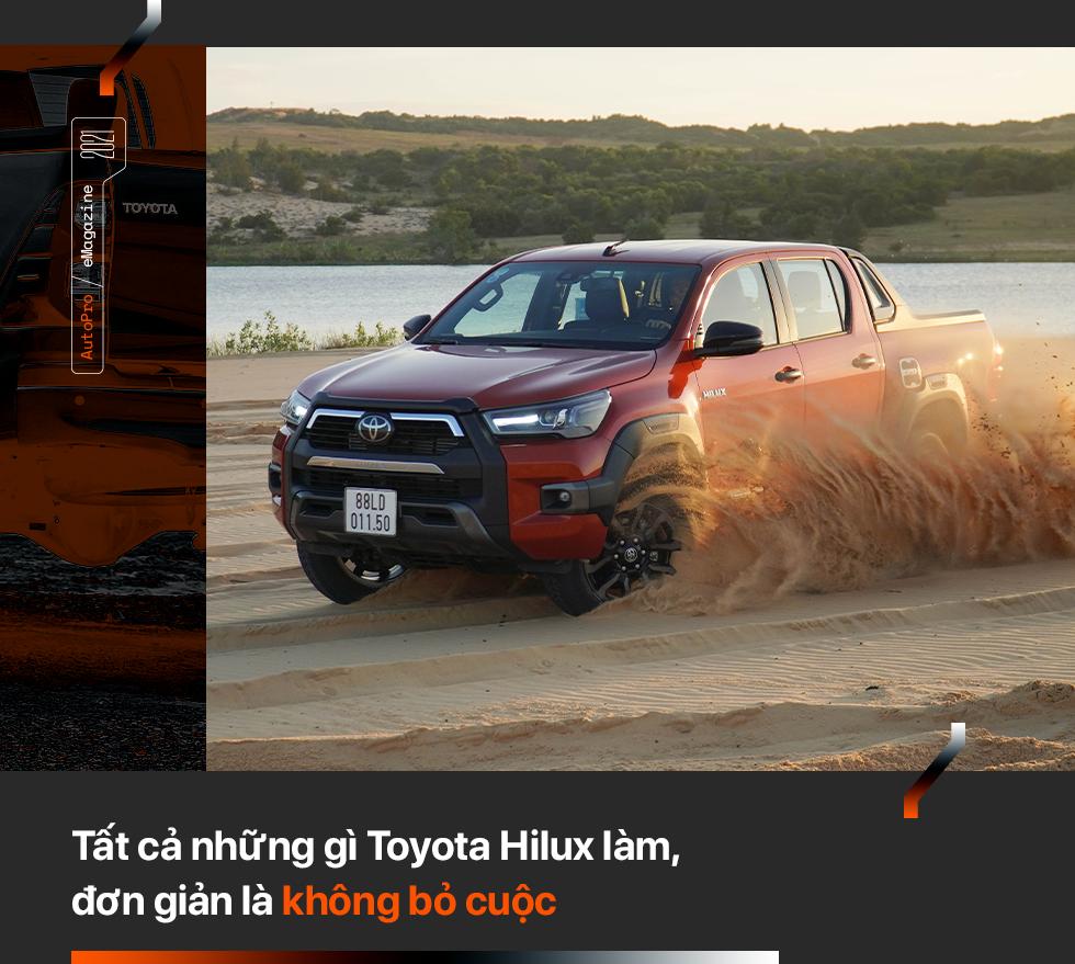 Toyota Hilux mới - Khi 'giá trị cốt lõi' khoác áo mới - Ảnh 3.