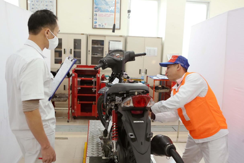 Honda Việt Nam tổ chức vòng chung kết Hội thi kỹ thuật viên dịch vụ và nhân viên phụ tùng xuất sắc 2020 - Ảnh 2.