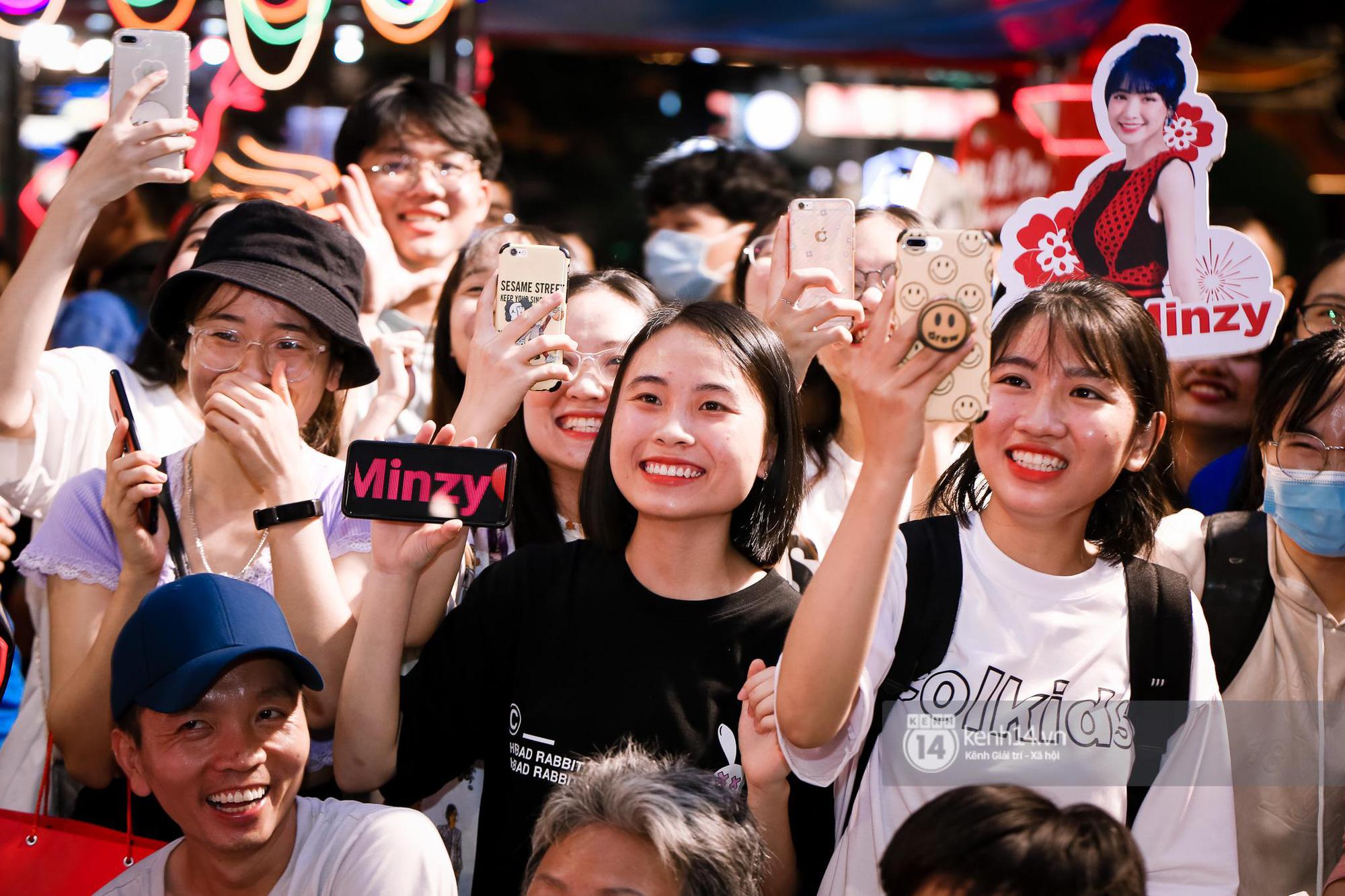 Fan Hòa Minzy bơi hết vào đây, xem idol đột kích Lễ hội Tết Việt và ngàn trải nghiệm wow chưa từng có! - Ảnh 1.