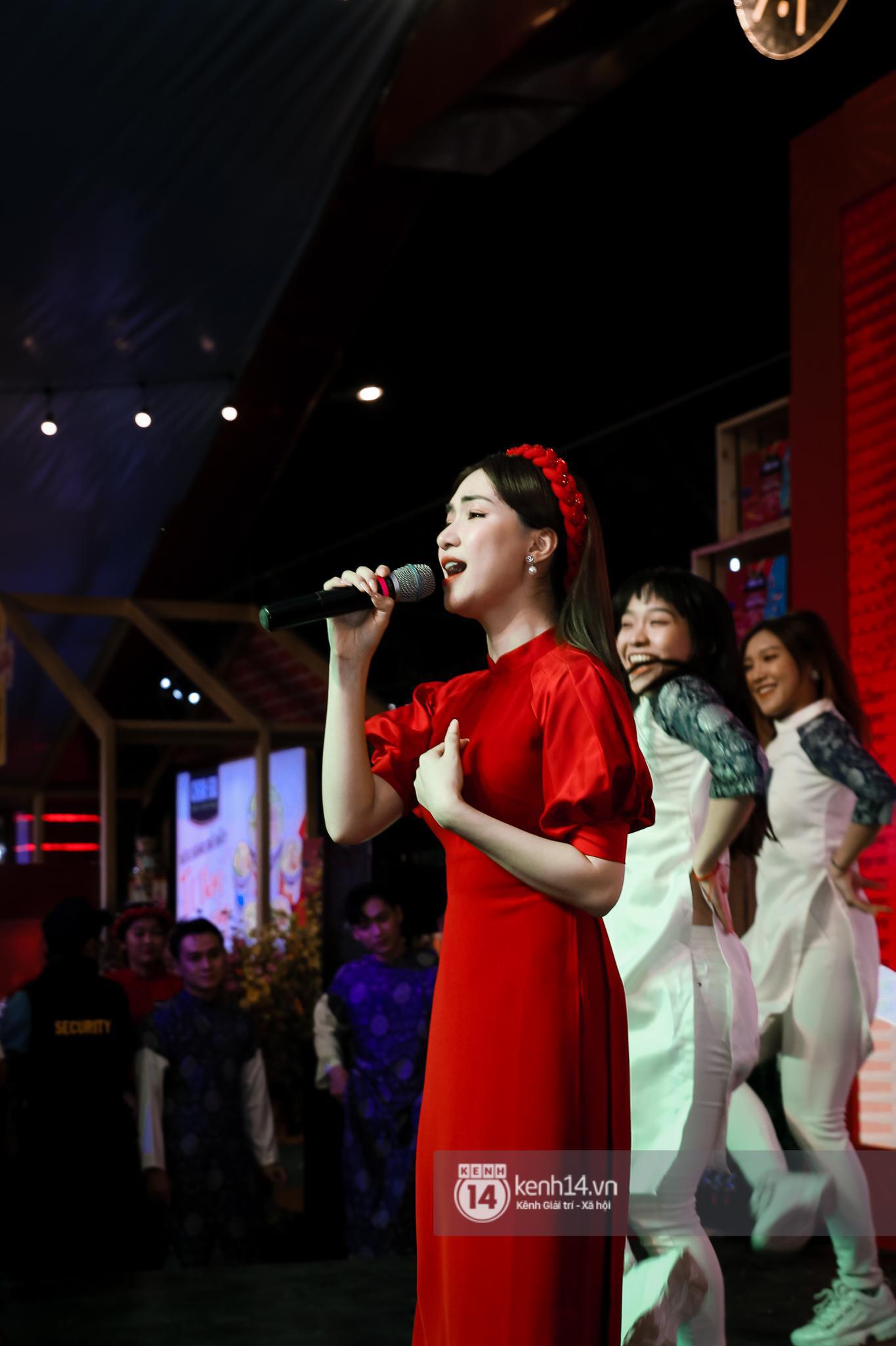 Fan Hòa Minzy bơi hết vào đây, xem idol đột kích Lễ hội Tết Việt và ngàn trải nghiệm wow chưa từng có! - Ảnh 2.