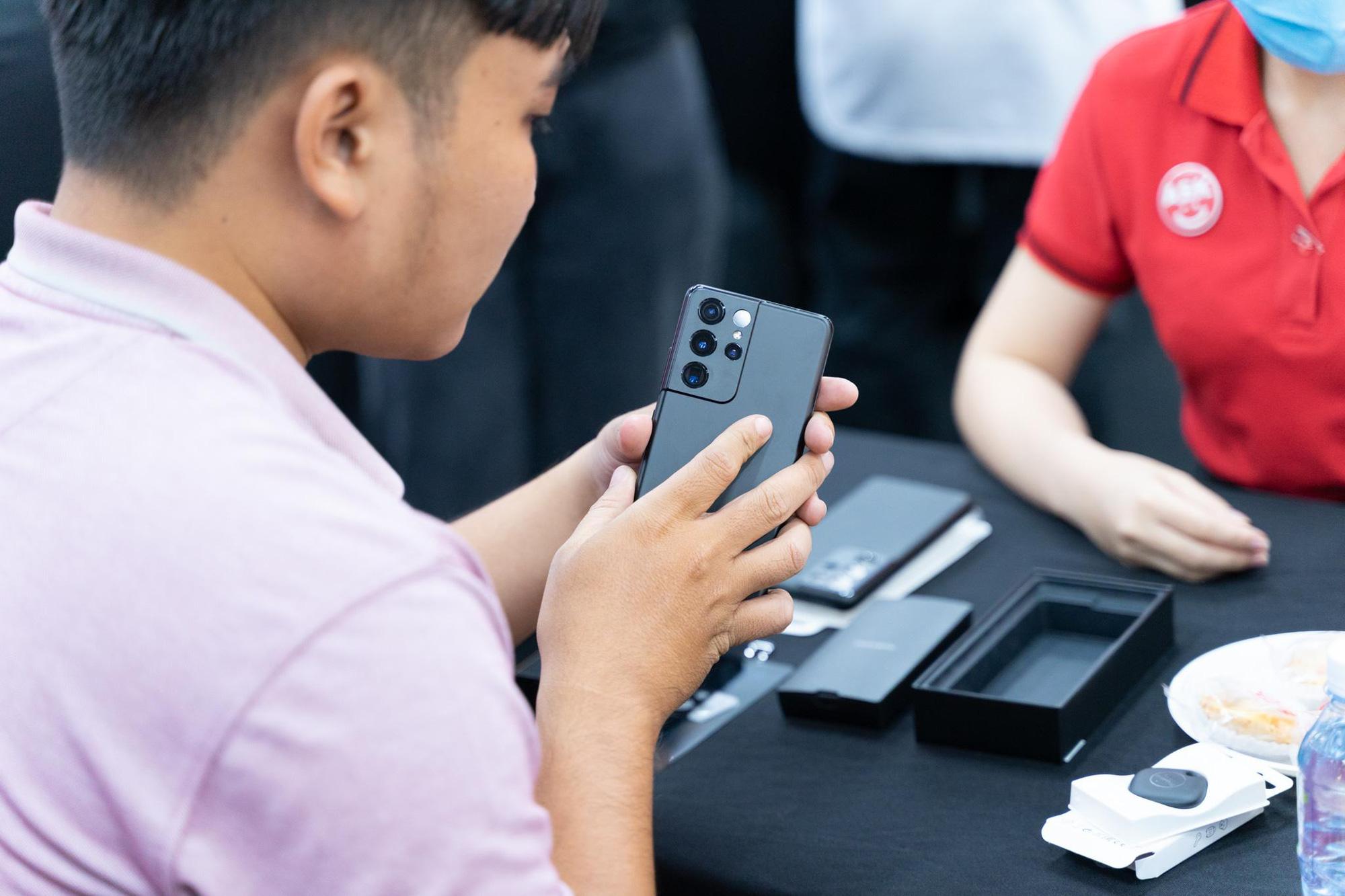Trở thành nơi mở bán Galaxy S21 đầu tiên trên thế giới: Người dùng Việt Nam đang được Samsung ưu ái hết mực - Ảnh 4.