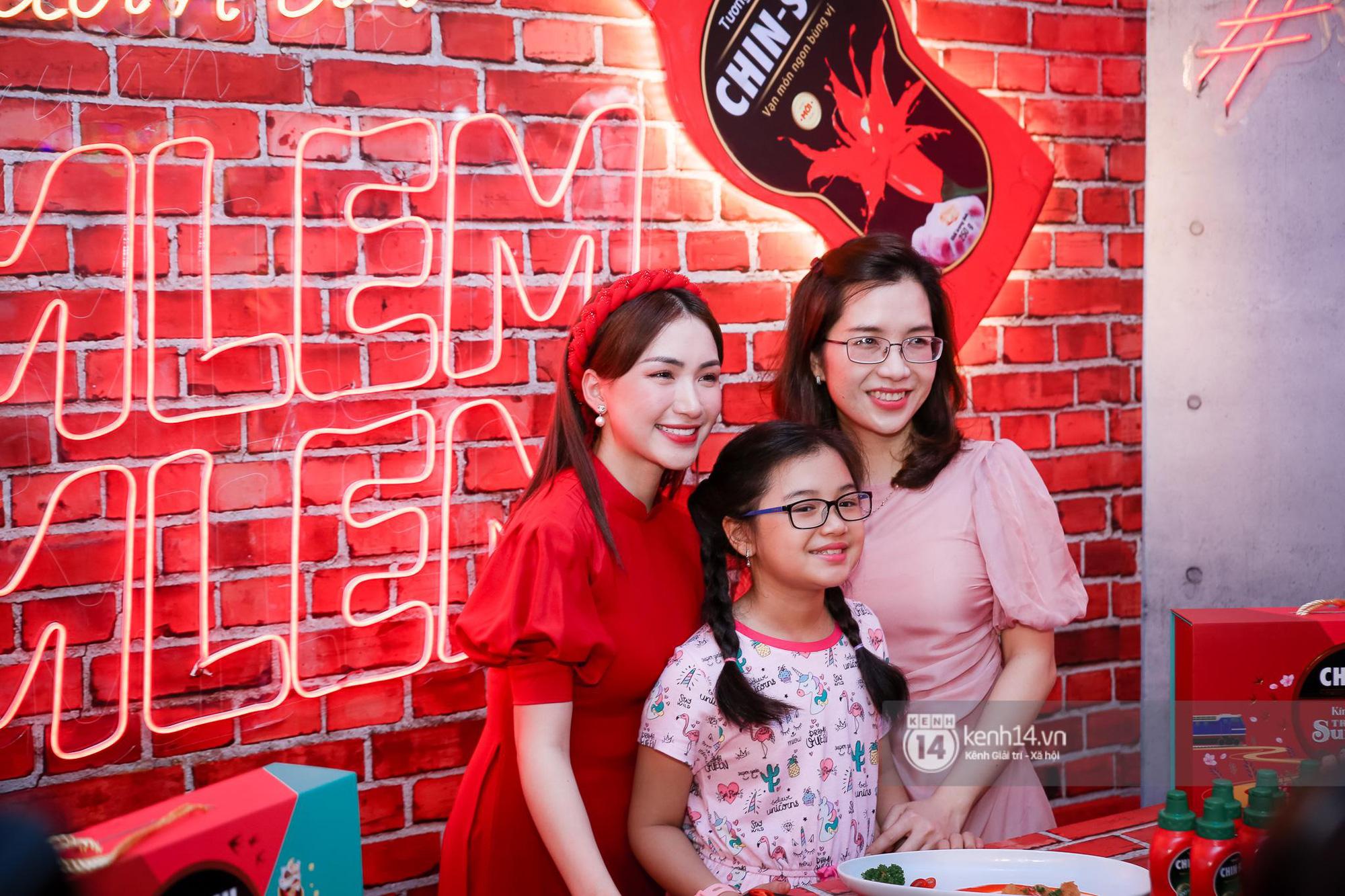 Fan Hòa Minzy bơi hết vào đây, xem idol đột kích Lễ hội Tết Việt và ngàn trải nghiệm wow chưa từng có! - Ảnh 4.
