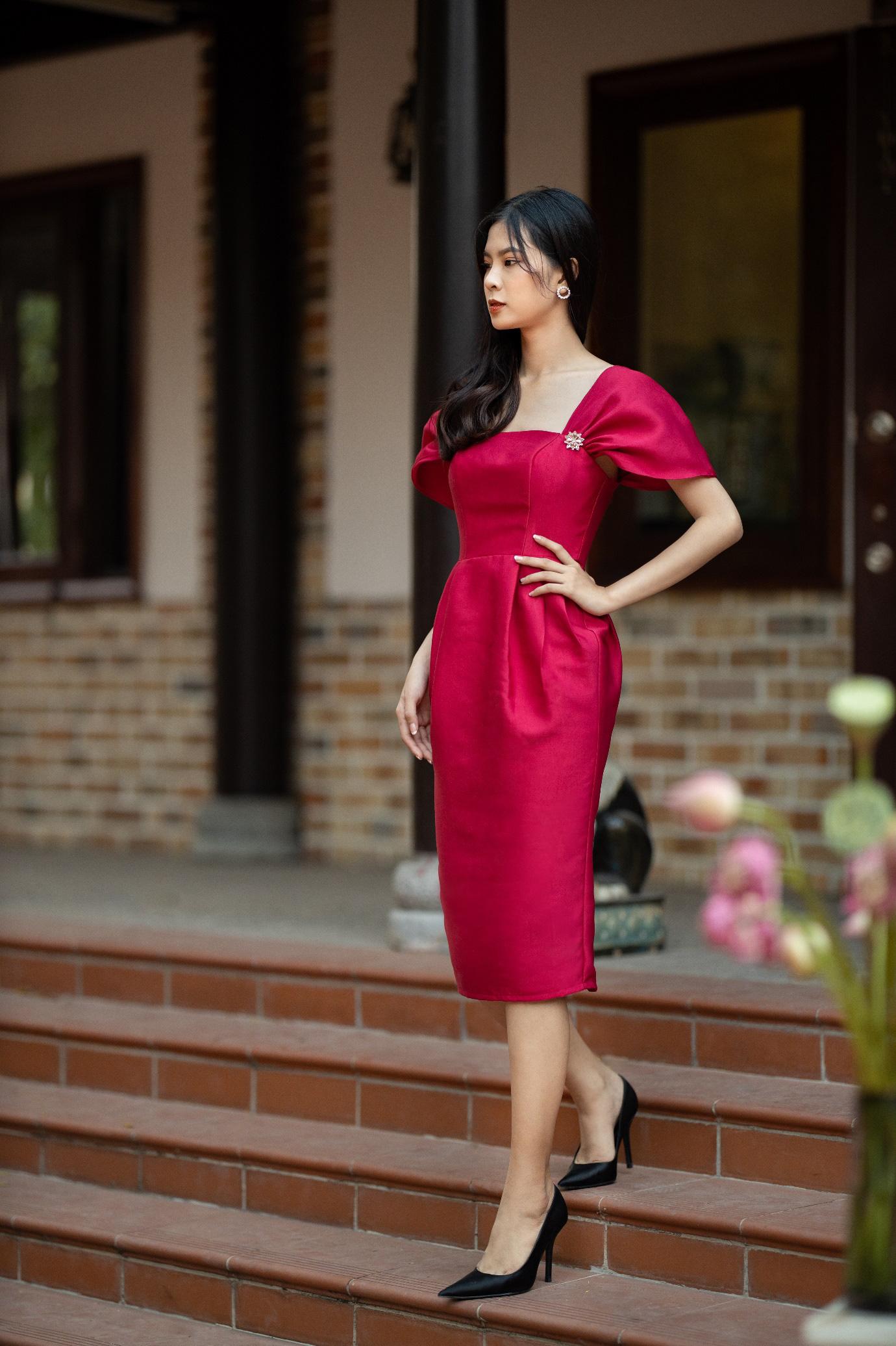 Gợi ý 8 mẫu váy đỏ đẹp cực phẩm, biến nàng trở thành tiêu điểm từ tiệc tất niên cho tới buổi du xuân đầu năm - Ảnh 7.