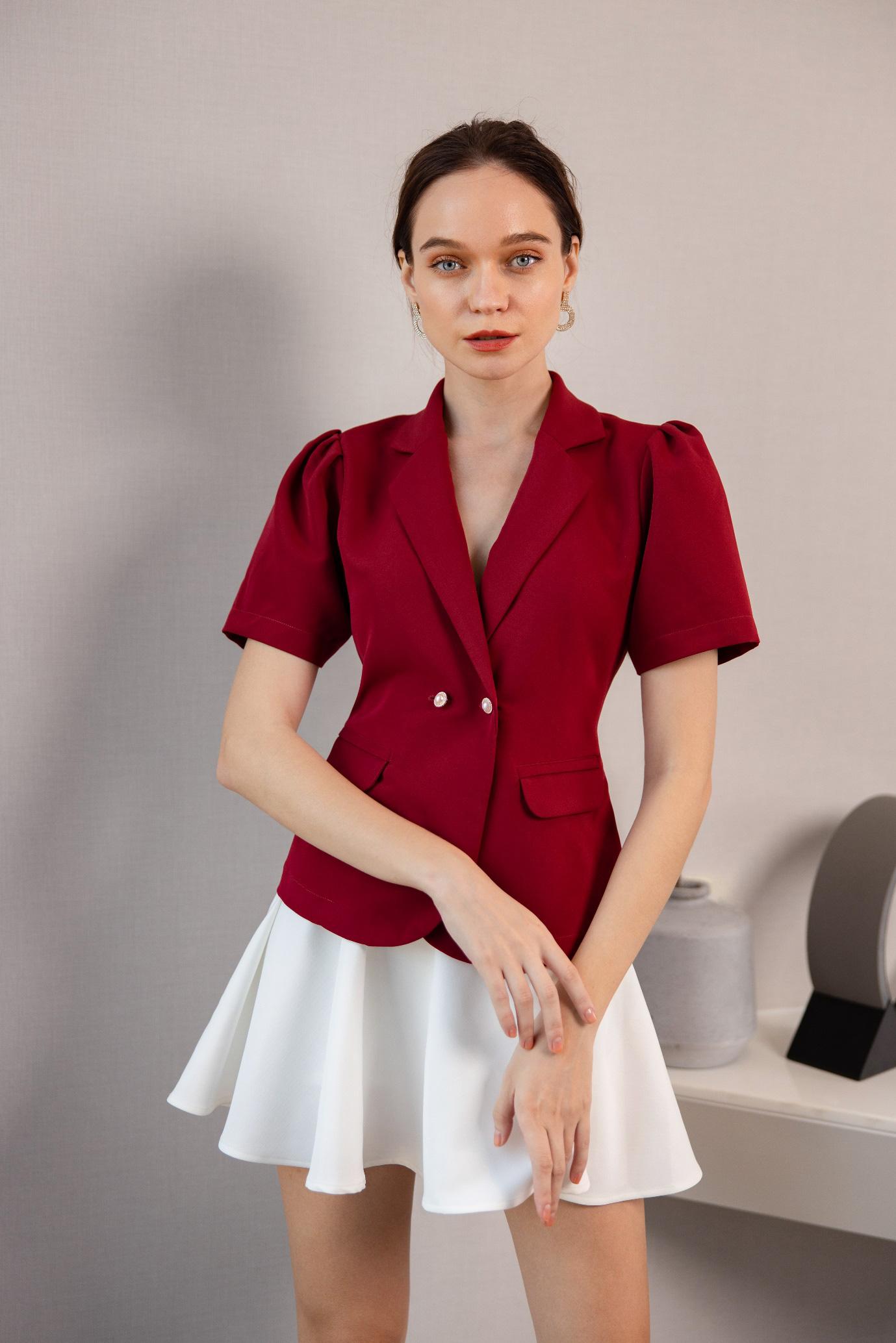 Gợi ý 8 mẫu váy đỏ đẹp cực phẩm, biến nàng trở thành tiêu điểm từ tiệc tất niên cho tới buổi du xuân đầu năm - Ảnh 8.