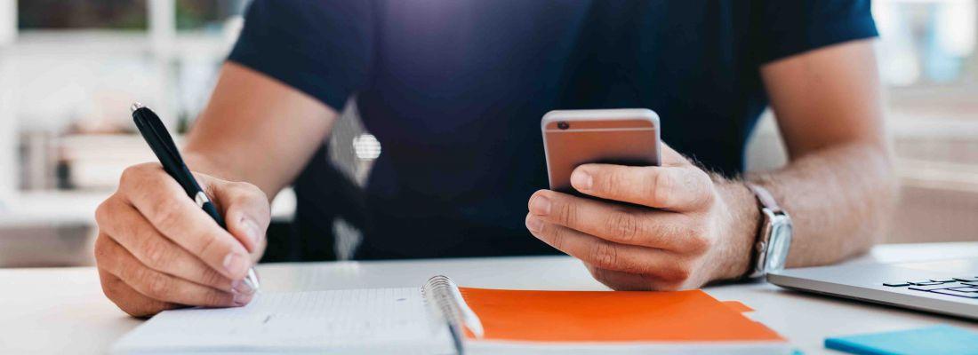 Bí quyết quản lý cả công ty chỉ với một chiếc điện thoại thông minh - Ảnh 1.