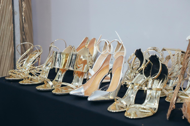 """Những xu hướng giày cao gót """"làm mưa làm gió"""" trên sàn diễn thời trang Việt cuối năm 2020 - Ảnh 2."""