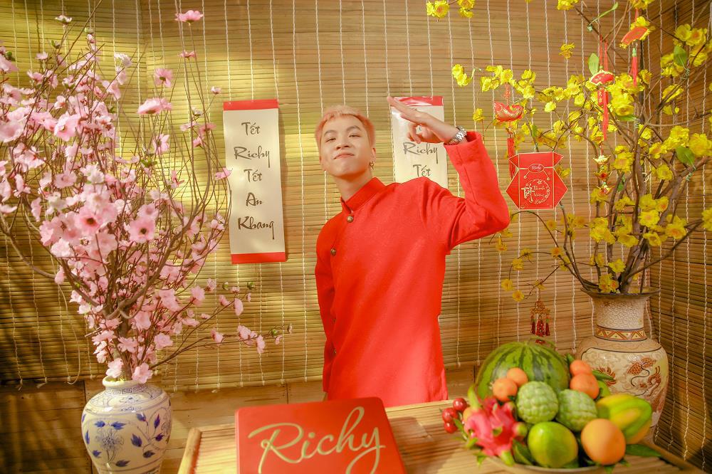 """R.Tee và Richy khuyến khích người trẻ sáng tạo Tết qua MV """"rap khấn"""" độc đáo - Ảnh 1."""