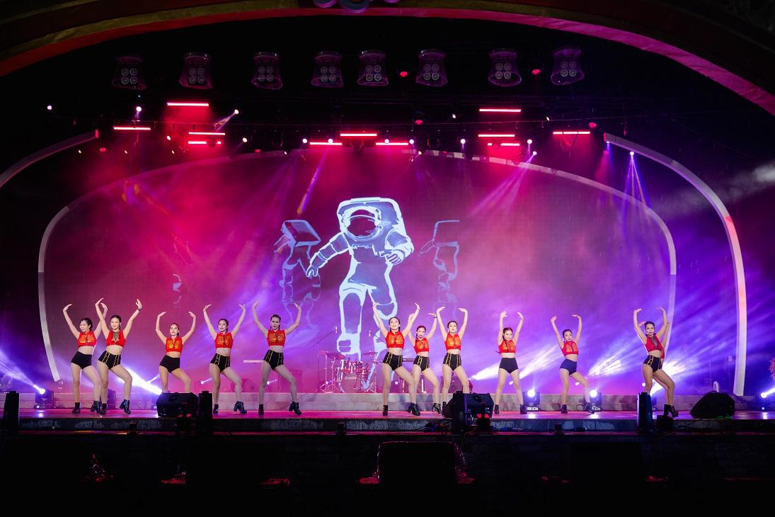 Tết Tân Sửu, Công viên Châu Á - Asia Park sẽ bùng nổ với chuỗi đêm nhạc và lễ hội hoành tráng - Ảnh 5.