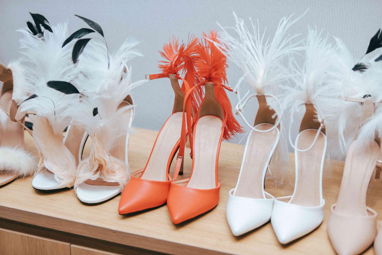 """Những xu hướng giày cao gót """"làm mưa làm gió"""" trên sàn diễn thời trang Việt cuối năm 2020 - Ảnh 5."""