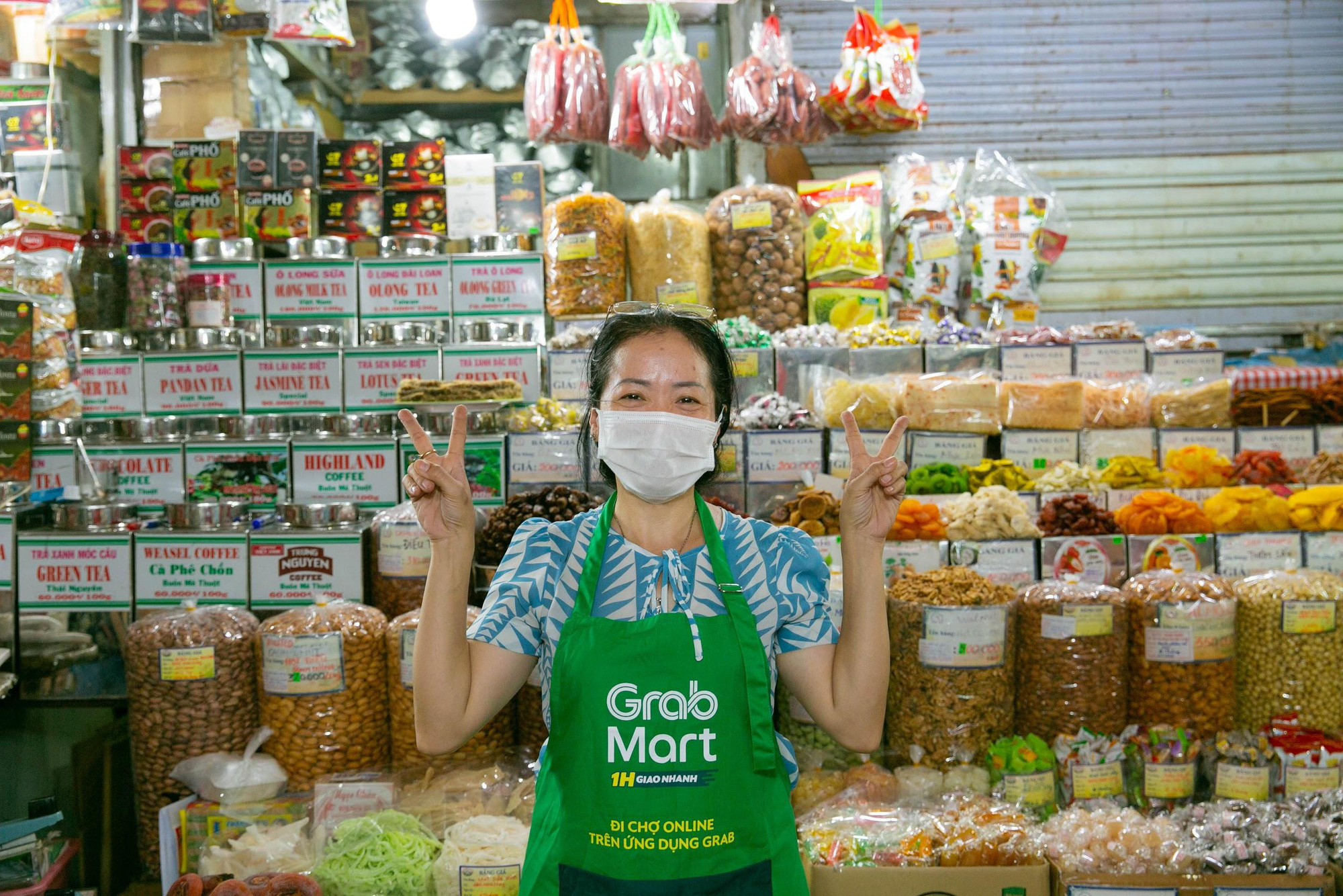 Mùa Covid-19, cô ba chú bảy chợ Bến Thành rủ nhau mở sạp online - Ảnh 7.