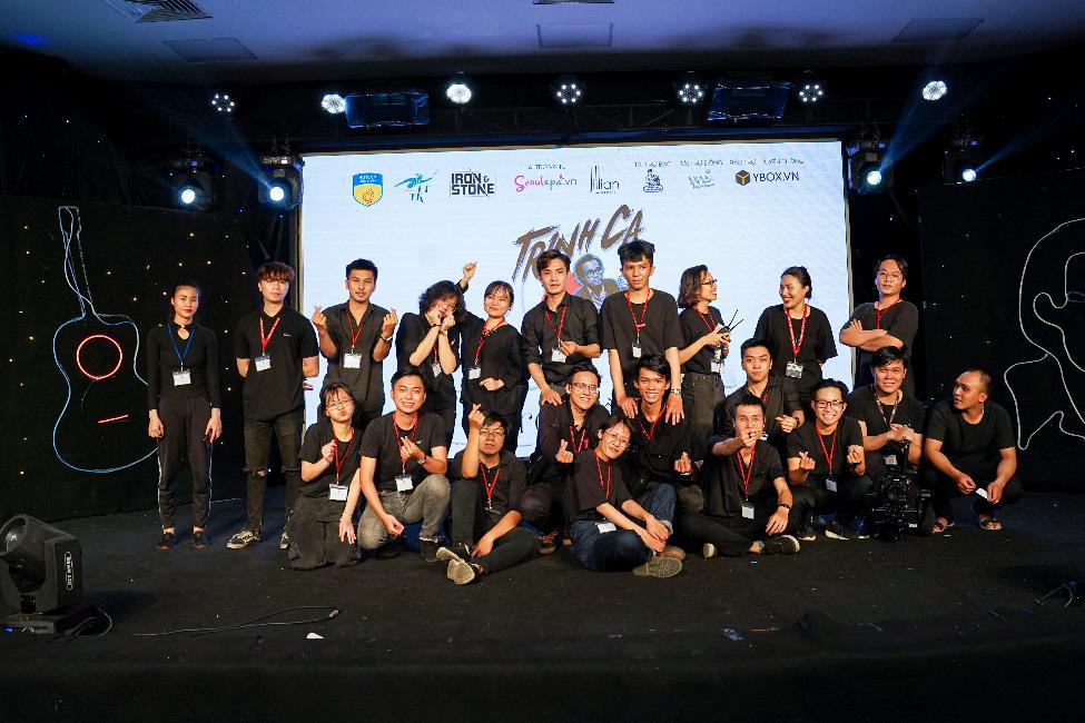 Ca sĩ Hà Lê mang nhạc Trịnh vào liveshow của sinh viên Truyền thông đa phương tiện HUTECH - Ảnh 5.