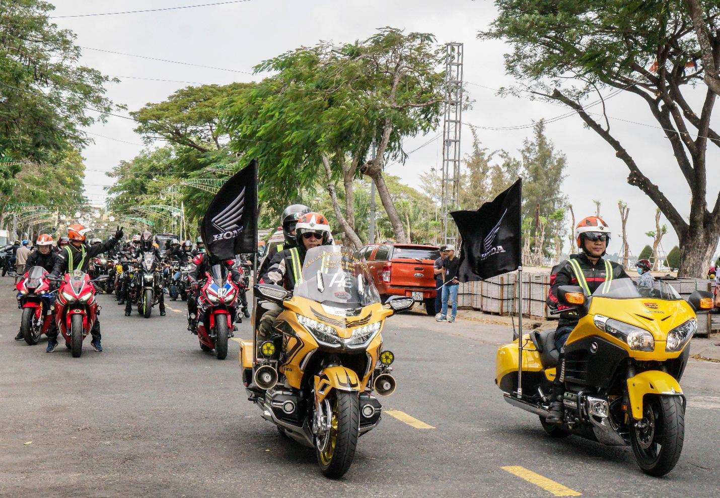 Biker Honda kết thúc hành trình chinh phục cực Nam đầy cảm xúc - Ảnh 1.