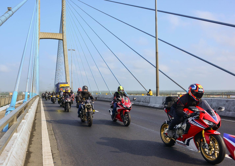 Biker Honda kết thúc hành trình chinh phục cực Nam đầy cảm xúc - Ảnh 4.