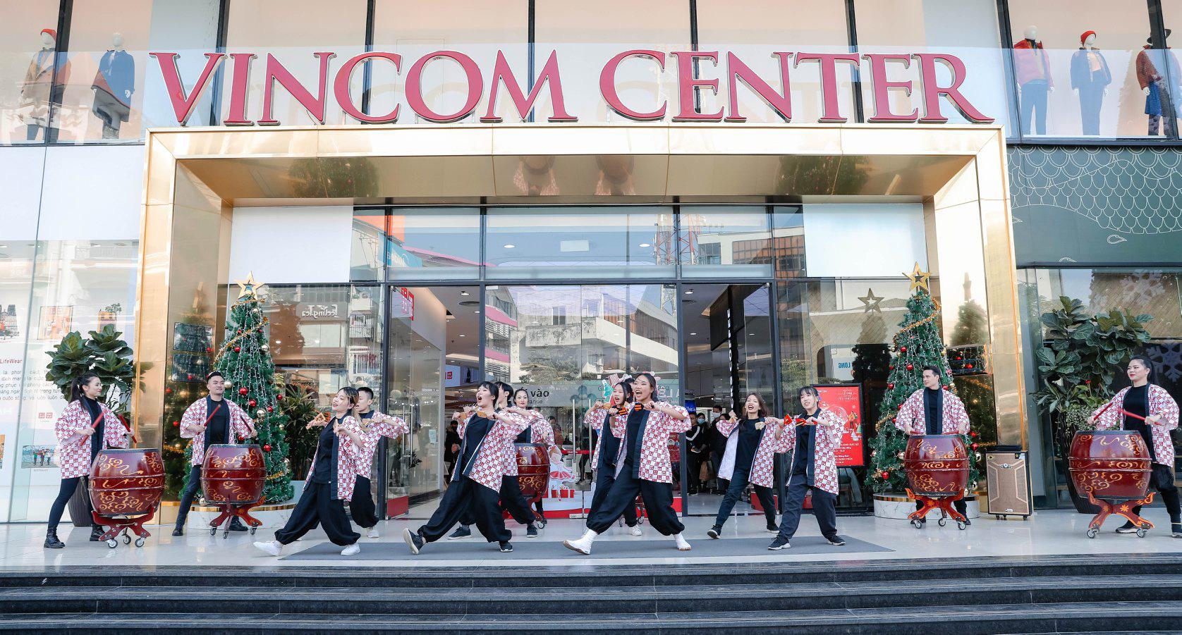 UNIQLO gửi gắm thông điệp mừng năm mới qua vũ điệu Yosakoi đậm chất Nhật - Ảnh 5.