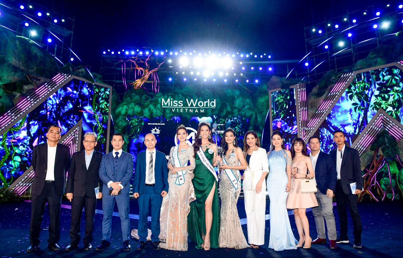 Miss World Việt Nam Lương Thùy Linh: Chúng ta không thể chọn vạch xuất phát nhưng đều có thể chạy đến cùng vạch đích - Ảnh 1.