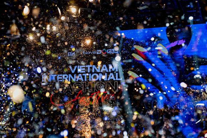 Vietnam International Fashion Festival - Tái định nghĩa lễ hội thời trang - Ảnh 5.