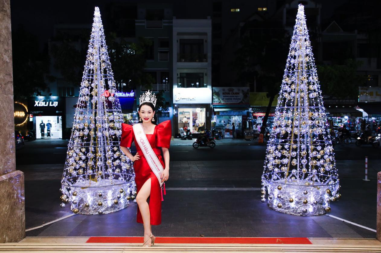 Tân Hoa hậu Vũ Thị Ngọc Anh ngồi ghế nóng Nữ hoàng Doanh nhân đất Việt 2021 - Ảnh 1.
