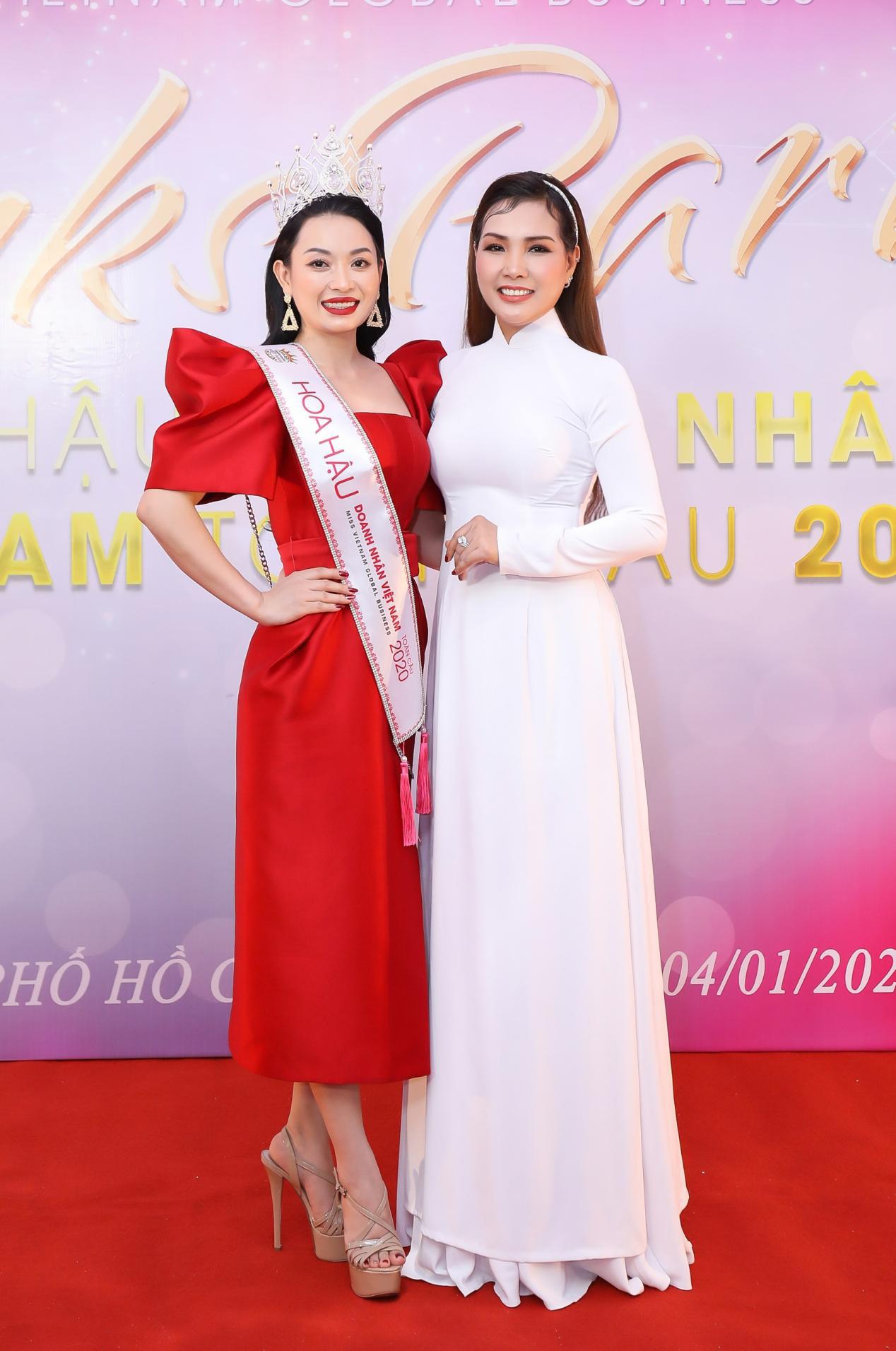 Tân Hoa hậu Vũ Thị Ngọc Anh ngồi ghế nóng Nữ hoàng Doanh nhân đất Việt 2021 - Ảnh 4.