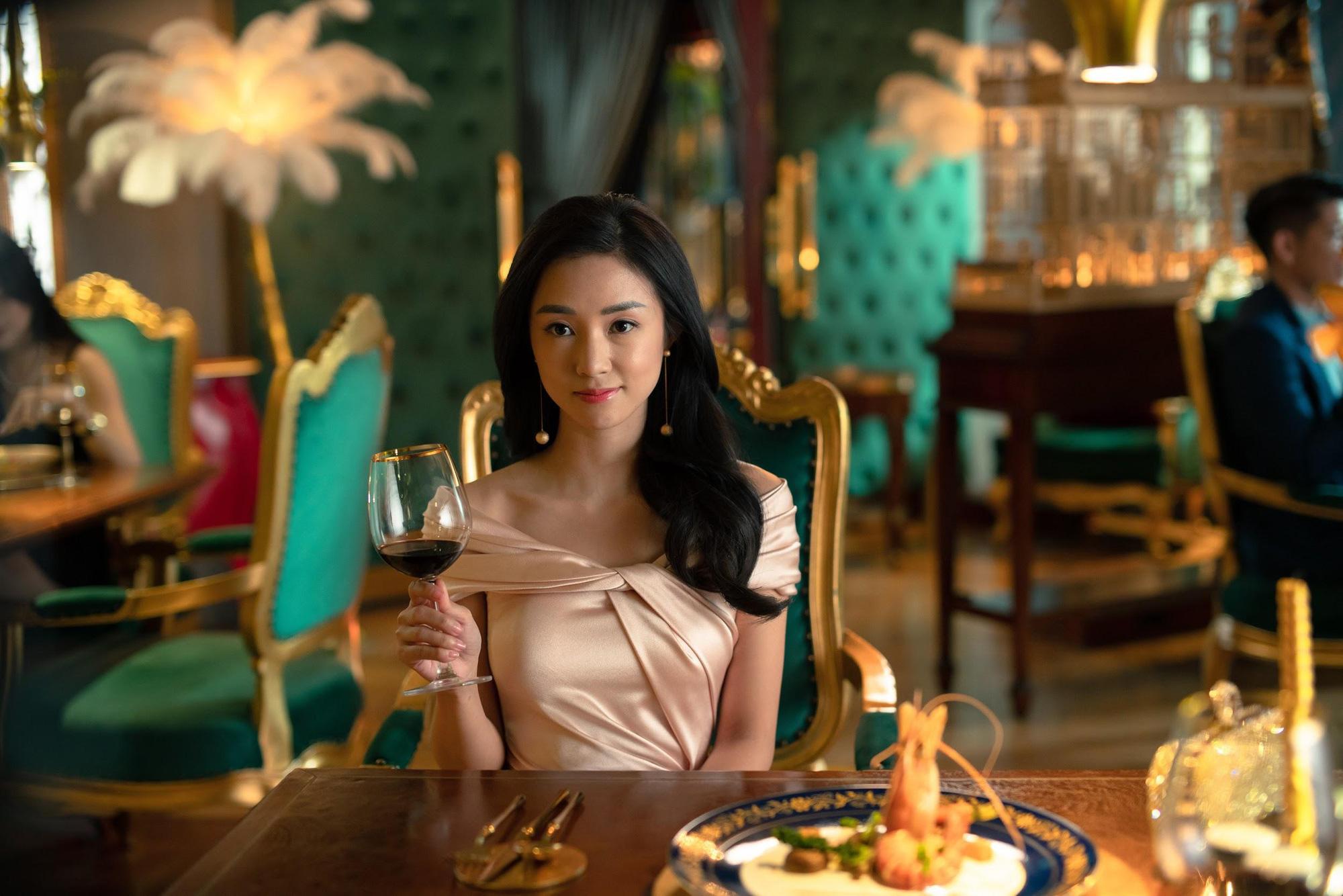 Đạo diễn Victor Vũ và nàng thơ Trúc Anh tiết lộ món ăn khoái khẩu trong thời gian quay Thiên Thần Hộ Mệnh - Ảnh 3.