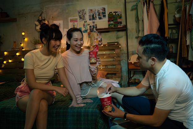 Đạo diễn Victor Vũ và nàng thơ Trúc Anh tiết lộ món ăn khoái khẩu trong thời gian quay Thiên Thần Hộ Mệnh - Ảnh 6.