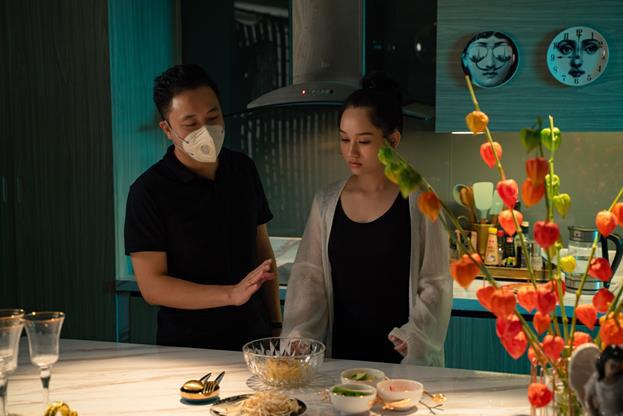 Đạo diễn Victor Vũ và nàng thơ Trúc Anh tiết lộ món ăn khoái khẩu trong thời gian quay Thiên Thần Hộ Mệnh - Ảnh 10.