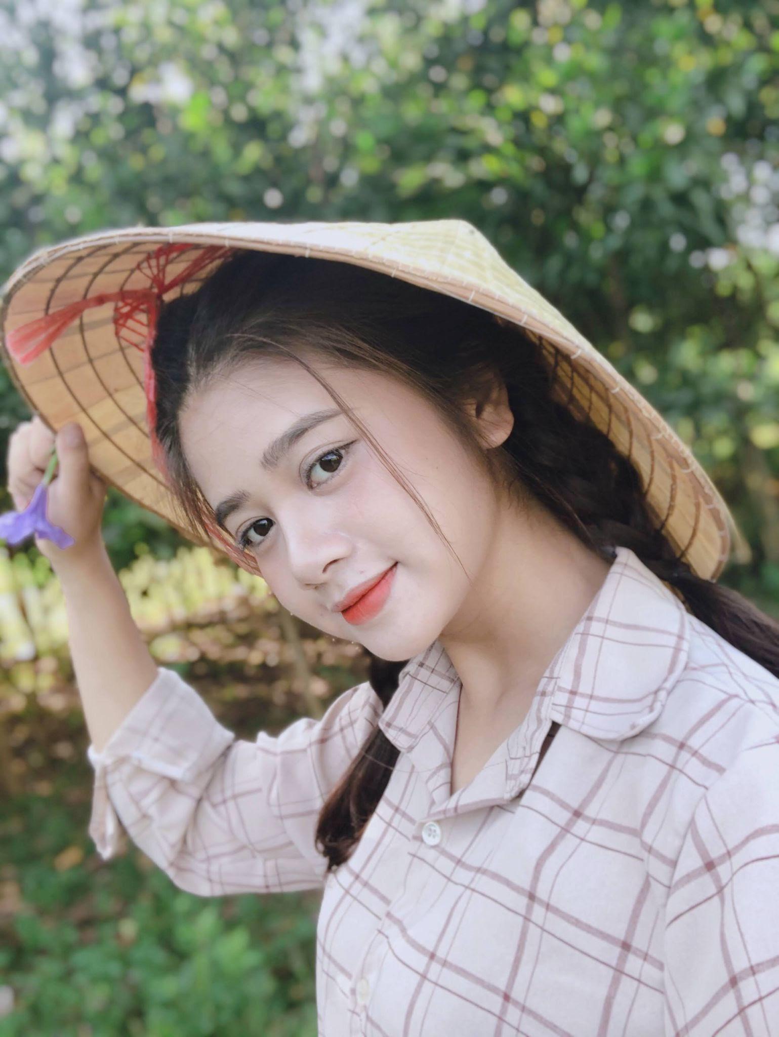 Chuyên Dương - Giao dịch viên ngân hàng cua gắt làm diễn viên, giấu bố mẹ chuyện hậu trường bị đâm xe, bị tát thật - Ảnh 2.