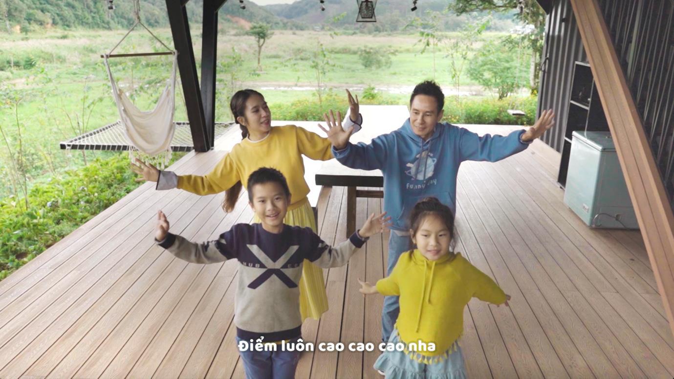 Các con của Lý Hải khoe tài hát và đọc rap trong MV mới - Ảnh 6.