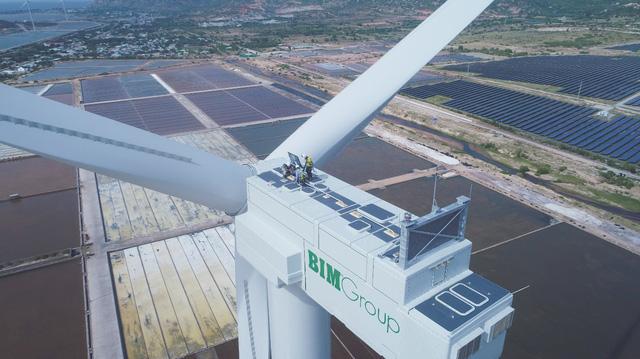 Báo quốc tế đưa tin về Tổ hợp kinh tế muối và năng lượng tái tạo hàng đầu Việt Nam - Ảnh 1.