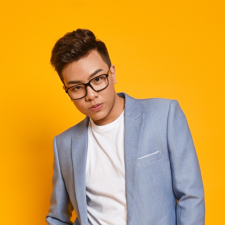 Hứa Kim Tuyền tái hiện cuộc sống mùa dịch trong ca khúc mới triệu view - Ảnh 1.