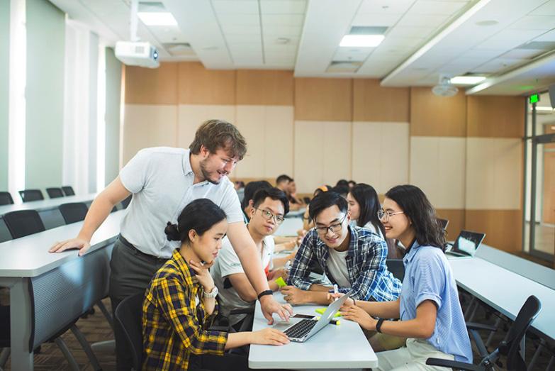 Đại học VinUni phát động cuộc thi giải bài toán kinh doanh toàn cầu - Ảnh 1.