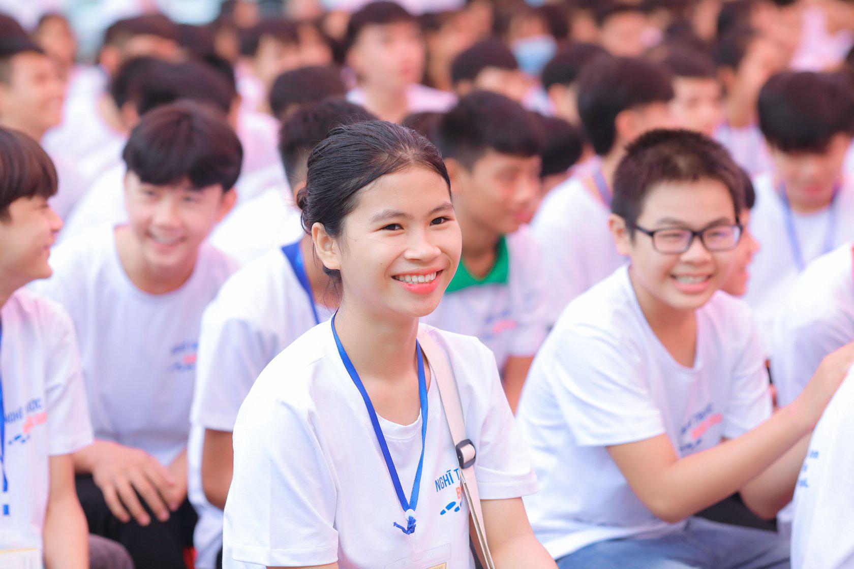 Định hướng nghề nghiệp cho học sinh THPT thành phố Hải Phòng và tỉnh Nghệ An - Ảnh 3.