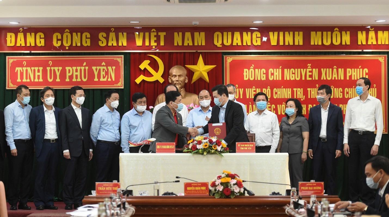 Vietjet hưởng ứng lời kêu gọi trồng cây vì một Việt Nam xanh - Ảnh 5.