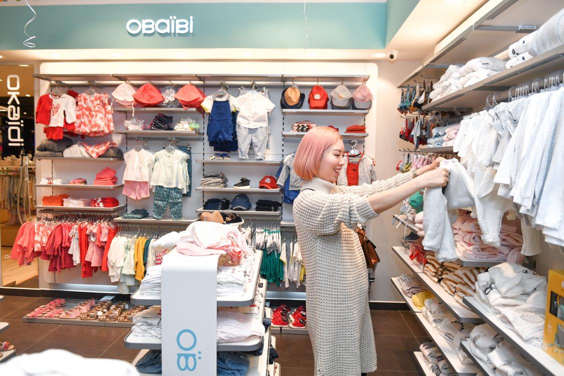 Gia đình ca nương Kiều Anh, doanh nhân Hà Linh sắm sửa cho bé yêu với trang phục đến từ nước Pháp - Ảnh 7.